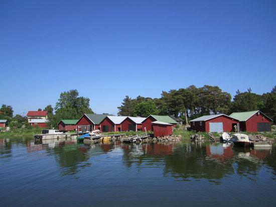 Pyhtaa, Finland: Kaunissaari harbour