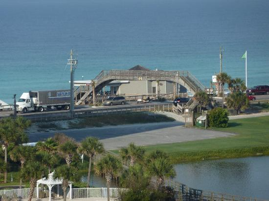 Ariel Dunes at Seascape Resort: board walk to beach