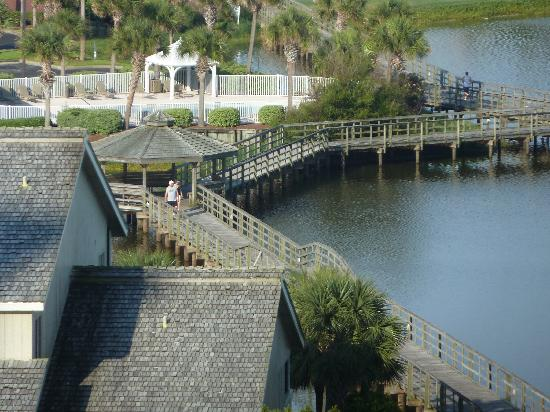 Ariel Dunes at Seascape Resort: boardwalk