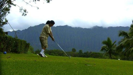 Ko'olau Golf Club : 10,000 Hawaiians were pushed to death off Pali part of the Ko'olau volcanic mountains