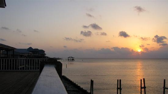 Νήσος Dauphin, Αλαμπάμα: Dauphin Island sunset over the MS Sound
