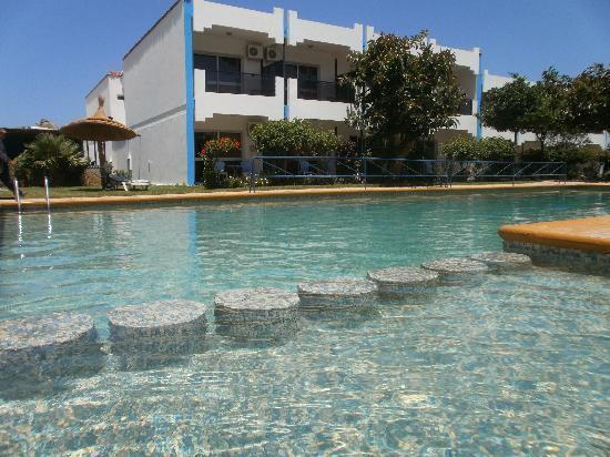 Asilah, Fas: Hotel Al Khayma pool