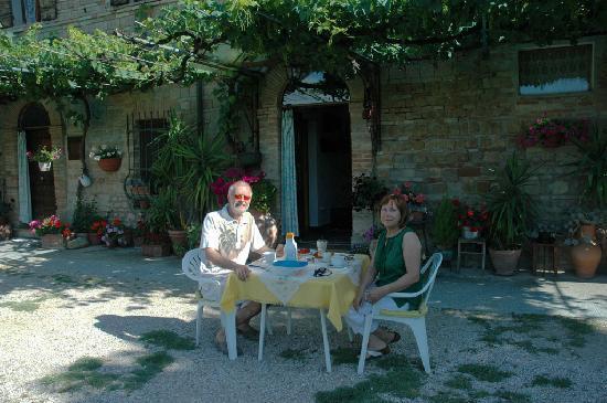 "La Grande Agave Bed & Breakfast: breakfast ""en plain air"""