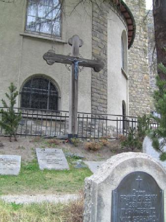 Hotel Helvetia: Cemetery dedicated to those who lost their lives climbing the Matterhorn