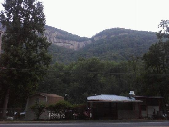 Falls Country Motel : Phone picture, view of Hickory Nut Falls from the front door of the hotel. This is what we woke