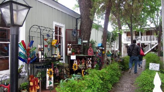 Fredericksburg, TX: Antique shop