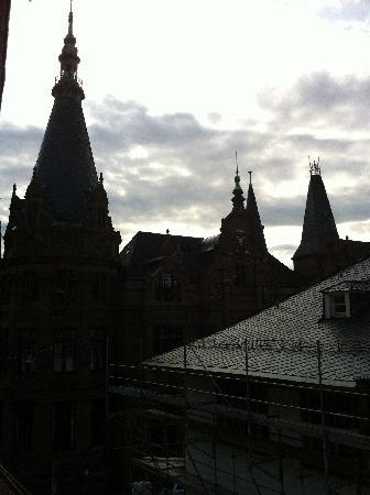 ArtHotel Heidelberg: View from our window at dusk.