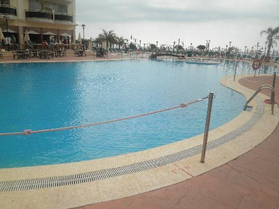 Hotel & Spa Peniscola Plaza Suites: la piscina