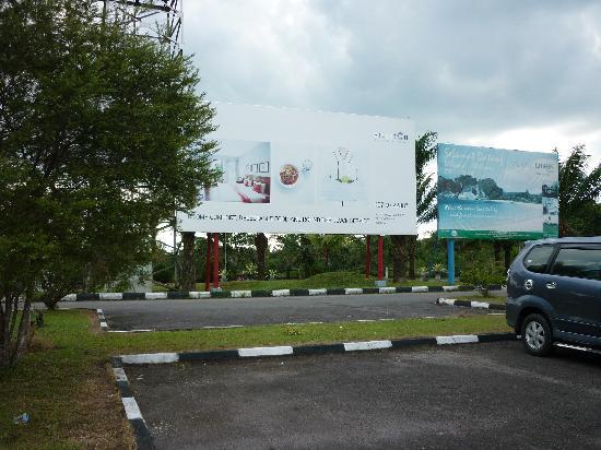 Billiton Hotel and Klub: Arrived at Tanjung Pandan airport - nice poster for Hotel Billiton