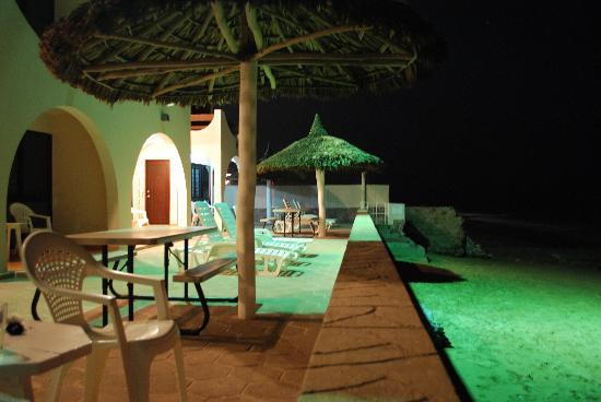 Suites Lindamar: View of our shared patio after sunset