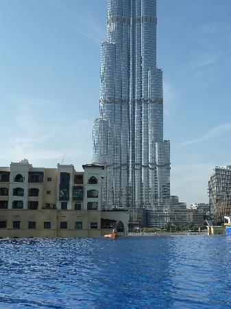 The Address Downtown Dubai: Hotel Infinity Pool
