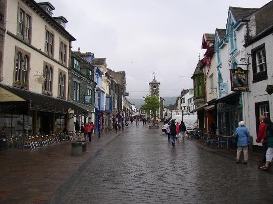 Abacourt Guest House: Keswick town square