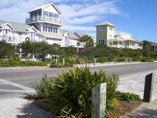 Homes along the 30a picture of seaside florida for 30a home builders