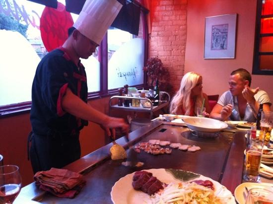 Hanahana: the chef at work