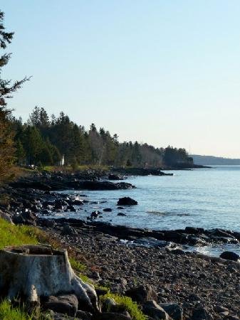Larsmont Cottages on Lake Superior: The Shore of Lake Superior at Larsmont Cottages