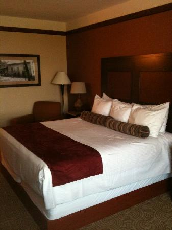 Downstream Casino Resort: King bed