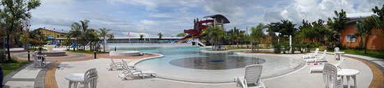 Cabanatuan City, Filipinas: second pool