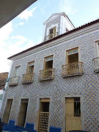 Hotel Pousada Colonial: Frontdoor