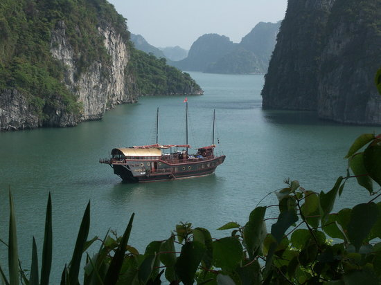 Halong Bay, Vietnam: Red Dragon