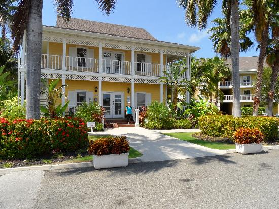 Sunshine Suites Resort : Office and Business Center