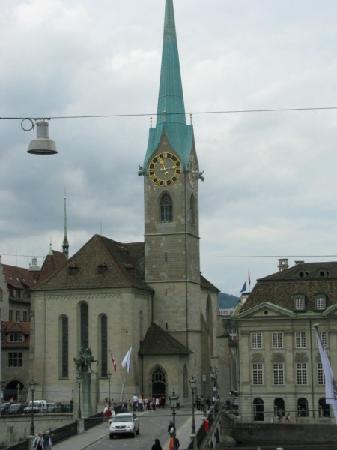 Zúrich, Suiza: Frau Munster Kirche