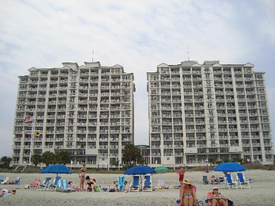 Hampton Inn & Suites Myrtle Beach/Oceanfront : Hampton Inn from the beach