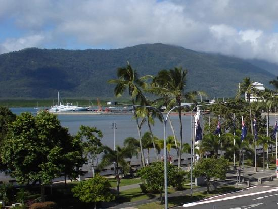 DoubleTree by Hilton Hotel Cairns: Cairns Water View