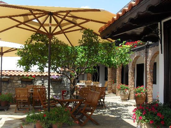 Hotel Nilya: Courtyard
