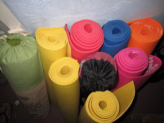 The Little Yoga Room: Colourful yoga mats