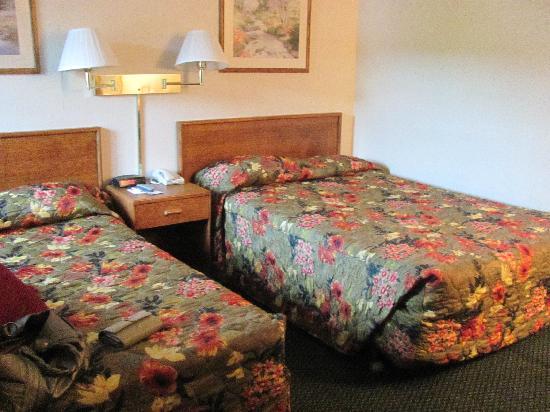 Grants Pass Travelodge: The Room