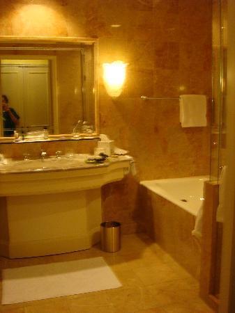 Regent Berlin : bath