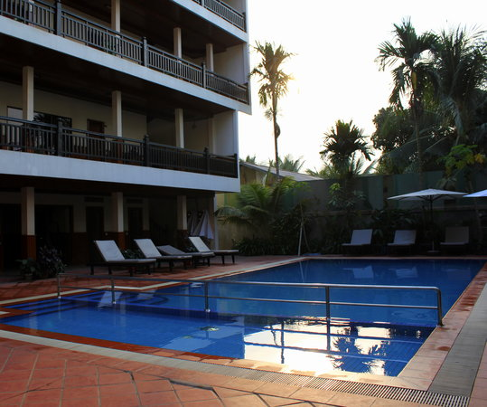 Freedom Hotel: The pool is well maintained and a lovely way to finish off the day