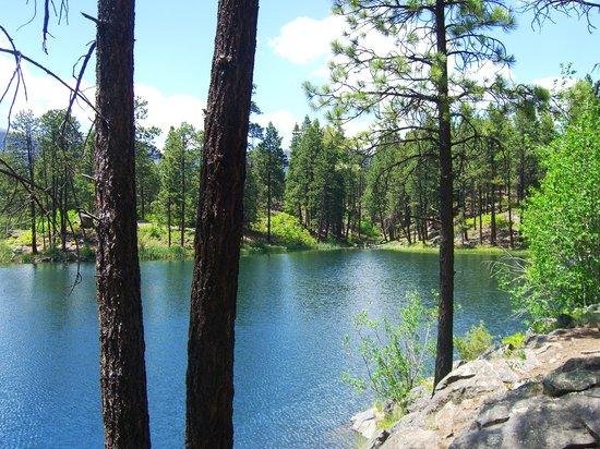 Rapp Corral: A lake along the route.