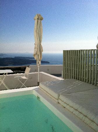 Grace Santorini Hotel: View from our room over the Caldera