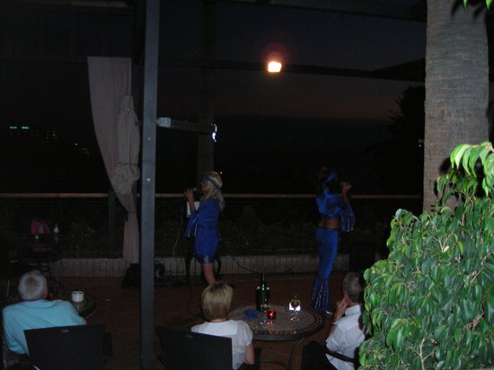 The Wine Bar & Terrace: Abba night May 2010