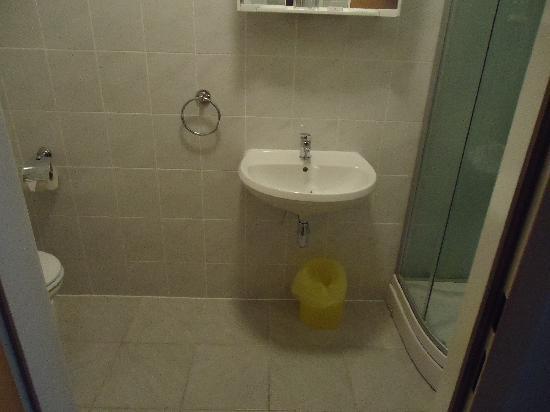 Marien-hof Appartement-Hotel: bathroom
