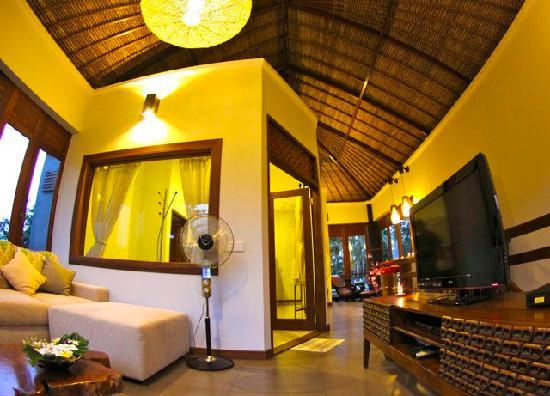 Padang Padang Surf Camp: Superior room