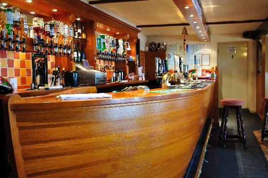 The Atlantic Inn: Their Gig Shaped bar