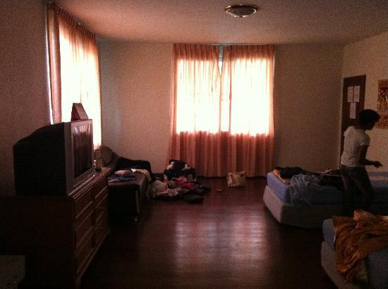 Himalaya Residence: The big room, fishy smell