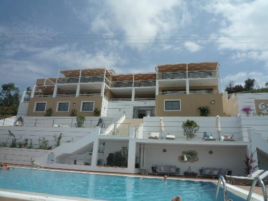 Skiathos Premier Hotel: The hotel & pool