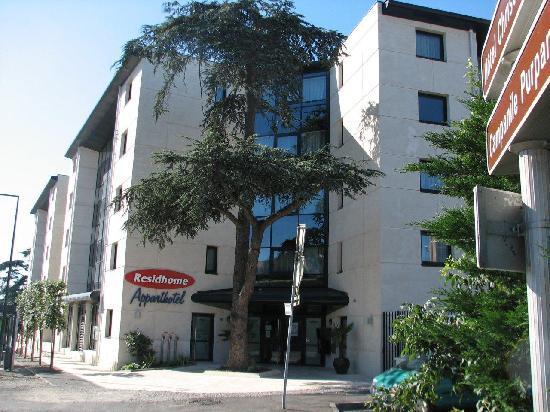 Residhome Appart Hotel Tolosa : front of building