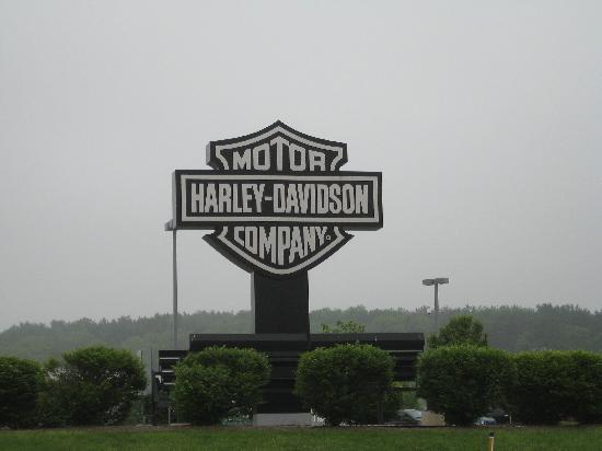 Harley-Davidson Vehicle Operations: Tour Center