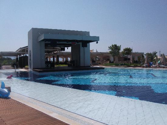 Hilton Dalaman Sarigerme Resort & Spa: Where you work off all the food at the water gym!