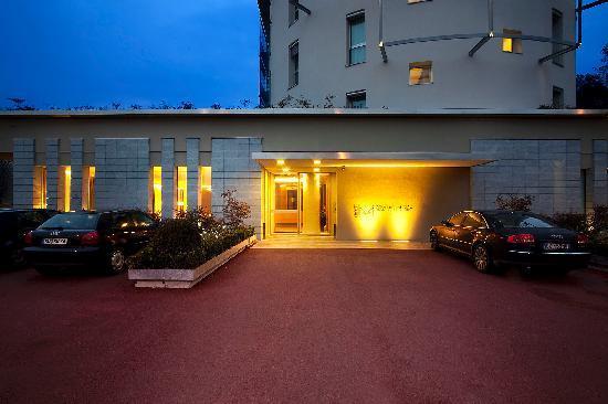 Quality Hotel San Martino: Ingresso