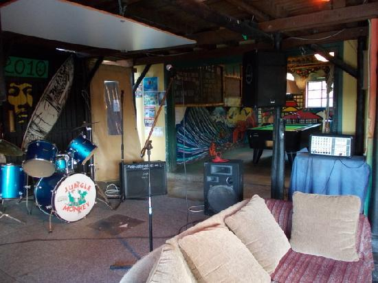 Jungle Monkey Backpackers: Entertainment area