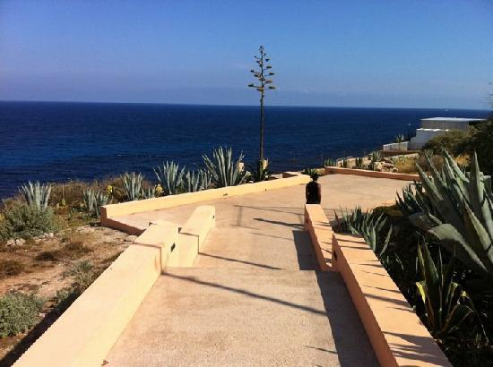 Palia Maria Eugenia Hotel: le petit chemin qui menne a la mer