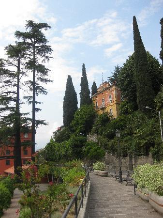Bellano, Italia: Hotelgegend