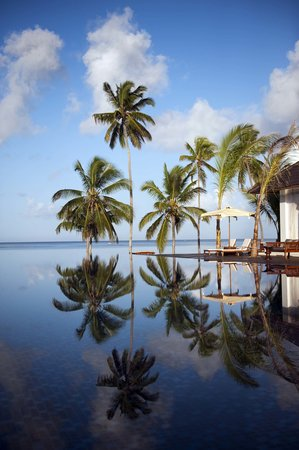 The Residence Zanzibar: Main Pool Reflection