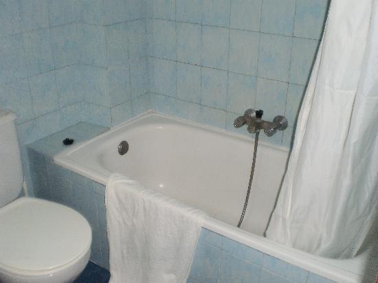 Apartamentos Gomila Park: La bañera
