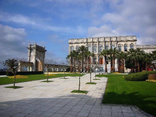 โรงแรมซีราแกนพาเลซ เคมพินสกี้ อิสตันบุล: Ciragan Palace-Promenade
